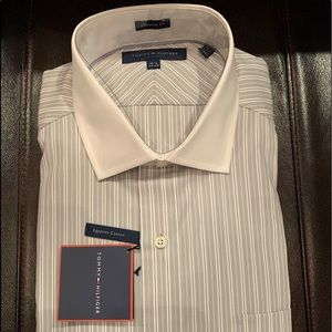 Tommy Hilfiger men's dress shirt size 16.5 35-35
